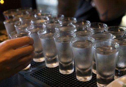 Es prohíbida la codificación del alcoholismo